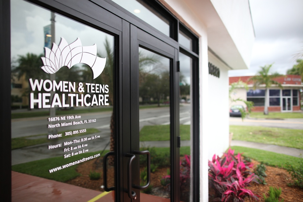 Biscayne Park Florida Women & Teens Miami Office Abortion Clinic Photo Main Entrance